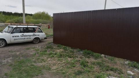 Забор из профнастила в СНТ Залив-2, 196 пог.м