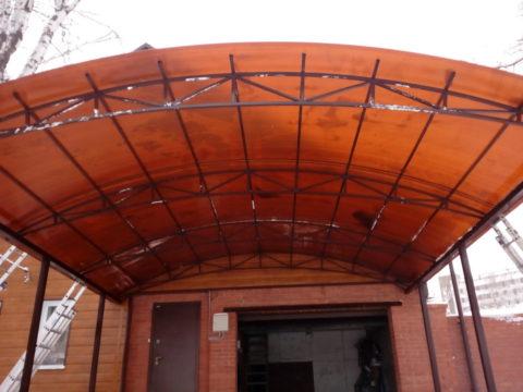 Навес из сотового поликарбоната ул Свободы, 64 м²